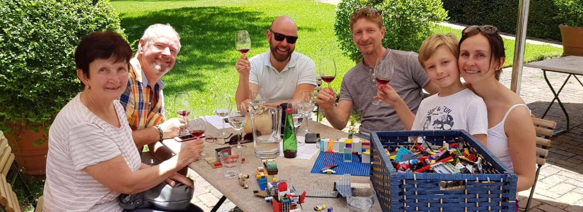 happy family wine tour - the wine specialists